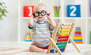 5+1 απρόσμενα σημάδια που δείχνουν ότι μεγαλώνετε μία μικρή ιδιοφυΐα