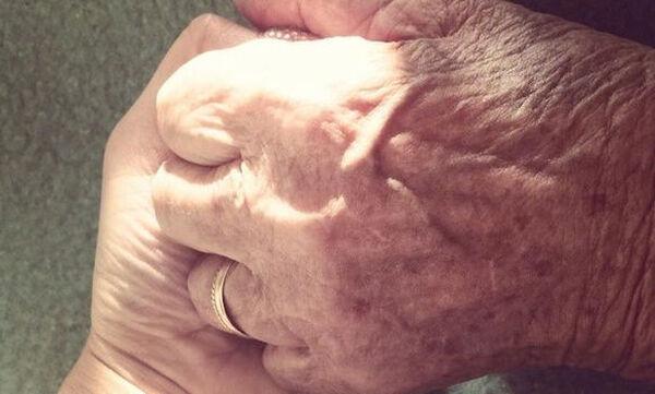 Να λέτε στη γιαγιά σας «Σ' αγαπώ» σαν να είναι η τελευταία φορά που θα τ' ακούσει