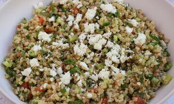 Συνταγή για σαλάτα ταμπουλέ με κινόα