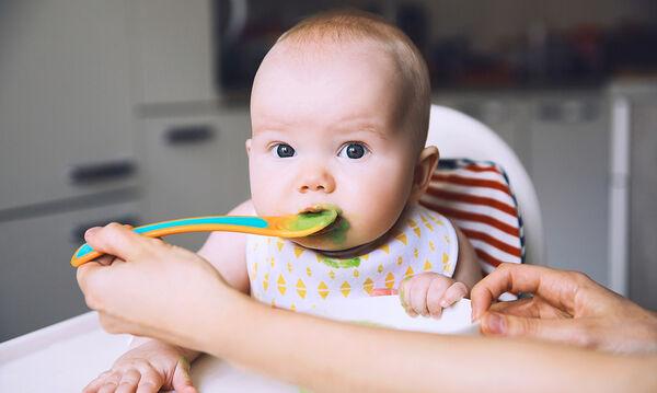 Κάνει να βάζουμε σκόρδο στο φαγητό του μωρού; Η απάντηση θα σας εκπλήξει