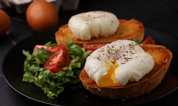 Συνταγή για πεντανόστιμα αυγά ποσέ - Ιδανικά για πρωινό!