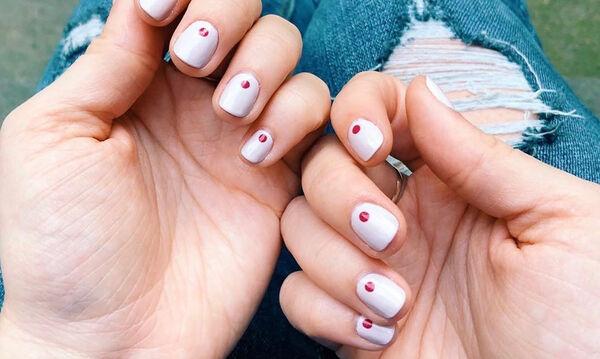 Τα μανικιούρ της εβδομάδας: Ποιο χρώμα να επιλέξεις για τα νύχια σου