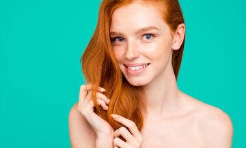 Μαλλιά που φριζάρουν; Αυτά τα tips θα σας δώσουν τη λύση (vid)