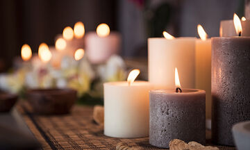 Έπεσε κερί στα ρούχα; Αυτός είναι ο τρόπος για να το αφαιρέσετε (vid)