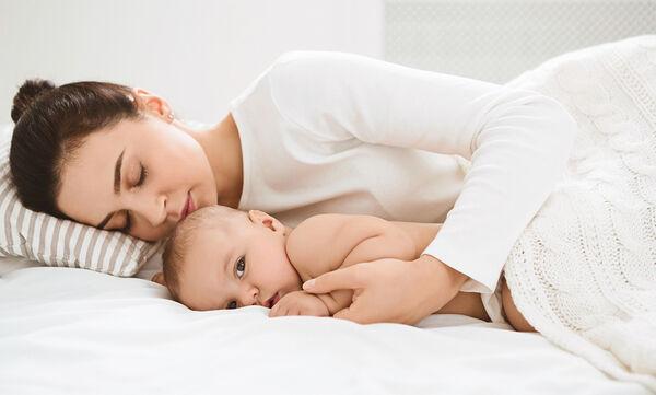 Γιατί ξυπνάει το μωρό μου από τα χαράματα;