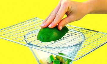 Είκοσι πέντε πανέξυπνα κόλπα και tips για την κουζίνα που θα εκτιμήσετε πολύ (vid)