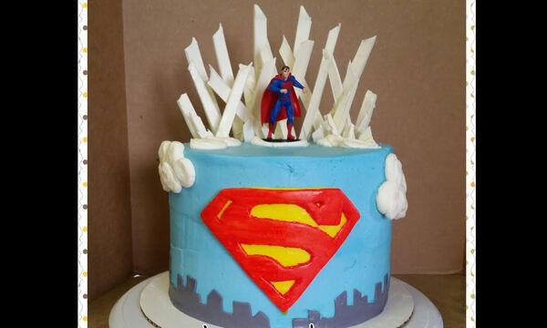 Τούρτα Superman - Δείτε πώς θα τη φτιάξετε βήμα βήμα (vid)