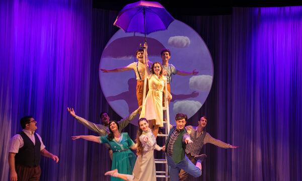 «Η μωβ ομπρέλα» της Άλκης Ζέη στο Θέατρο ΑΝΕΣΙΣ