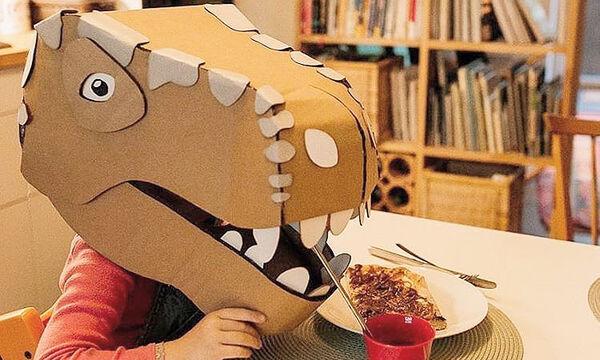 Δείτε τι φτιάχνει μια μαμά με χαρτόκουτα - Θα εντυπωσιαστείτε (pics)