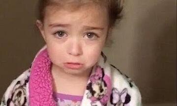 Κοριτσάκι λέει στη μαμά του ότι δεν τη θέλει - Δείτε ποια είναι η αντίδρασή της μητέρας της (vid)