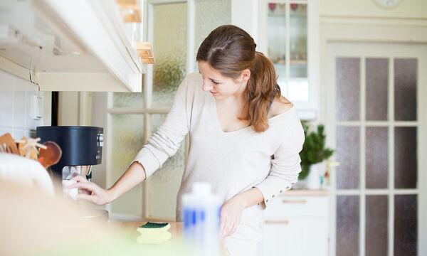 12 χρήσεις της οδοντόκρεμας στην καθαριότητα του σπιτιού που θα σας εκπλήξουν (vid)