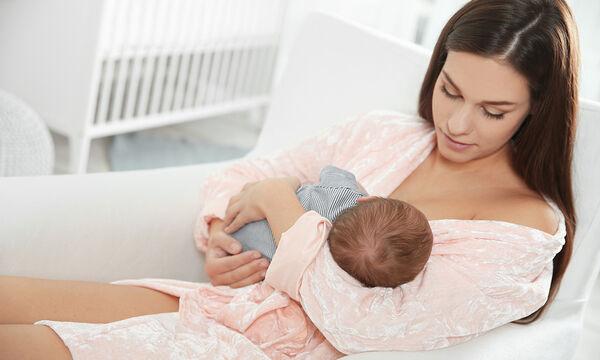 Μπορώ να δώσω πιπίλα στο μωρό ενώ θηλάζει;