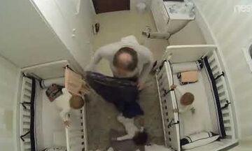 Απίστευτο! Μπαμπάς σώζει το μωρό λίγο πριν πέσει από την κούνια με την πιο απίστευτη κίνηση (vid)