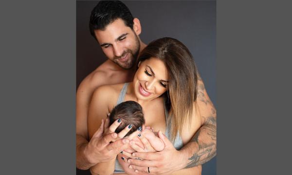 Λιώσαμε με τη φώτο της Ελένης Χατζίδου - Δείτε πώς ποζάρει η 2 μηνών κόρη της (pics)