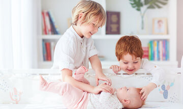 Νέο αδελφάκι στην οικογένεια - Όλα όσα πρέπει να γνωρίζουν οι γονείς