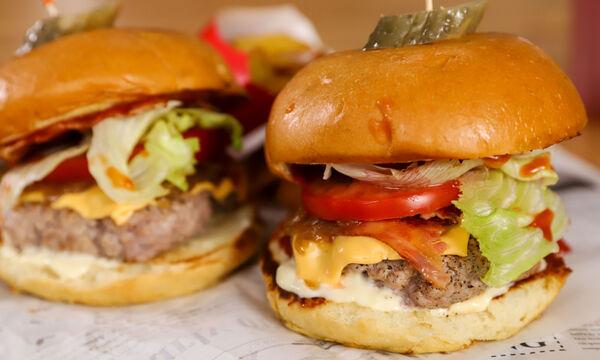 Συνταγή για πεντανόστιμα μοσχαρίσια burgers