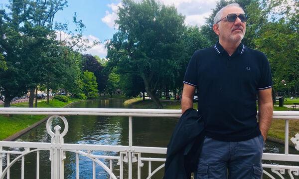 Νίκος Πορτοκάλογλου: Η σπάνια φωτογραφία με τον γιο και την κόρη του (pics)