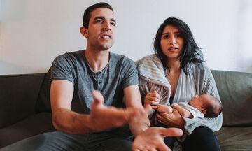 Οι συχνότεροι λόγοι που τσακώνονται τα ζευγάρια με νεογέννητο στο σπίτι