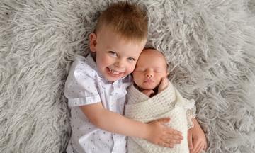 Υπέροχα πορτραίτα αδελφών που θα σας κάνουν να θέλετε & εσείς να φωτογραφίσετε τα παιδιά σας (pics)