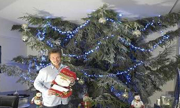 Αυτά τα χριστουγεννιάτικα δέντρα δεν μοιάζουν σαν τα άλλα - Δείτε γιατί (vid)