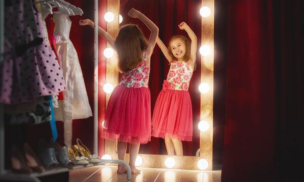 Πρέπει ή όχι να αφήνουμε τα παιδιά να επιλέγουν μόνα τους τα ρούχα που θα φορέσουν;