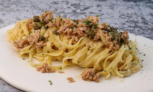 Συνταγή για ταλιατέλες με τόνο και κάπαρη