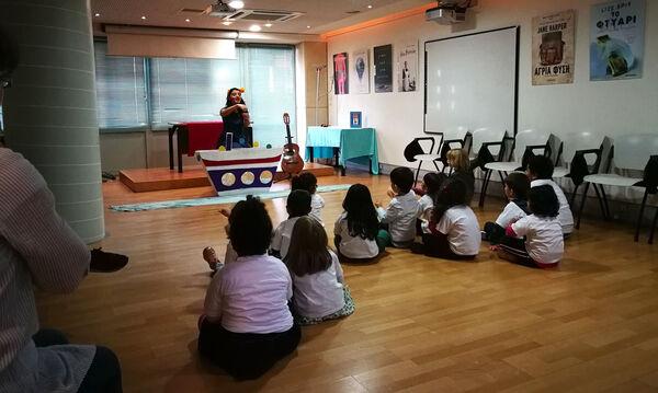 Ο Ευγένιος Τριβιζάς «ταξίδεψε» με τις ιστορίες του τα παιδιά του Μαζί για το Παιδί