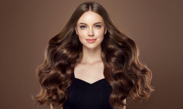 Τέσσερις τρόποι για να αποκτήσεις σγουρά μαλλιά χωρίς ψαλίδι (vid)