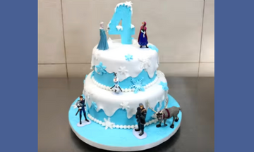 Εντυπωσιακή τούρτα γενεθλίων για παιδιά που έχουν γεννηθεί χειμώνα (vid)