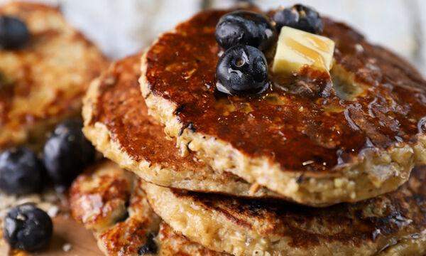 Γρήγορες τηγανίτες με blueberries - Δείτε πώς θα τις φτιάξετε