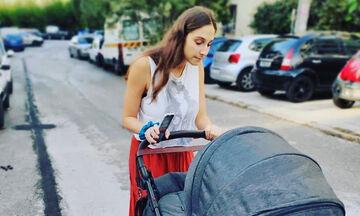 Φωτεινή Αθερίδου: Δείτε τι κάνει παρέα με τον νεογέννητο γιο της (pics)