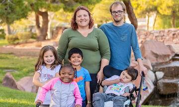 Η ομορφιά των οικογενειών με υιοθετημένα παιδιά μέσα από φωτογραφίες (pics)