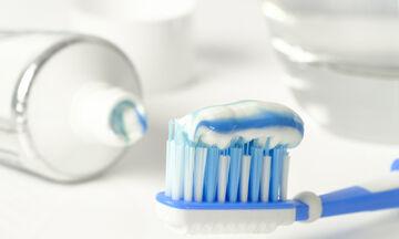 Τελικά μπορείς να εξαφανίσεις ένα σπυράκι με οδοντόκρεμα;