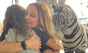 Πέγκυ Ζήνα: Τι ζητάει από την κόρη της πριν από κάθε πρεμιέρα (vid)