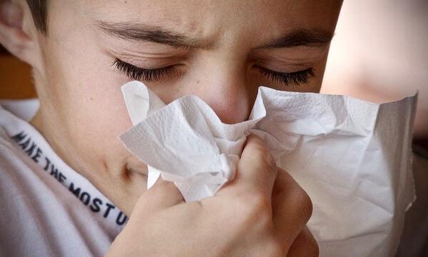 Πότε και γιατί «τρέχει» η μύτη του παιδιού μας;