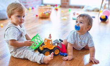 Πέντε τρόποι για να μάθει το νήπιο να μοιράζεται
