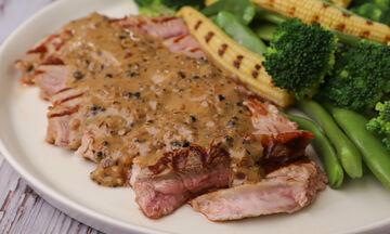Μοσχαρίσια μπριζόλα με pepper sauce και λαχανικά - Δοκιμάστε να τη φτιάξετε!