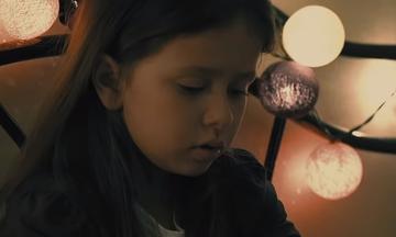 «Ζήτημα χρόνου» - Το νέο παραμυθένιο & αισιόδοξο video clip του Πάνου Μουζουράκη (vid)