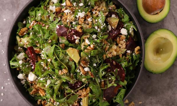 Συνταγή για σαλάτα με φασκόμηλο