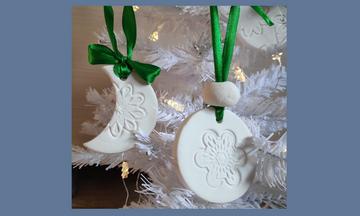 Χριστουγεννιάτικα στολίδια από μαγειρική σόδα – Δείτε πώς θα τα φτιάξετε στο πι και φι (vid)