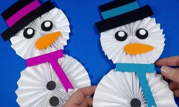 Χάρτινος χιονάνθρωπος: Δείτε με πόσους τρόπους μπορούν να τον φτιάξουν τα παιδιά (vids)