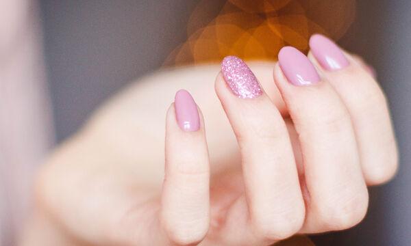 #festivenails: 10 γιορτινά μανικιούρ για να στολίσεις τα νύχια σου