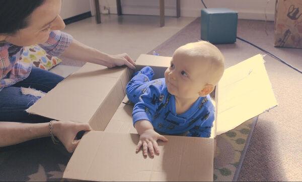 10 διαδραστικά παιχνίδια για μωρά από επτά έως εννέα μηνών (vid)