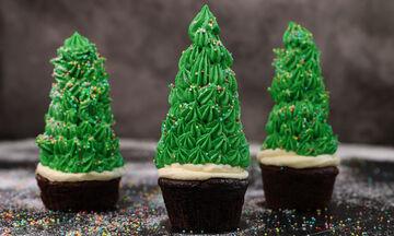 Cupcake χριστουγεννιάτικο δέντρο - Η συνταγή που θα ξετρελάνει τα παιδιά σας