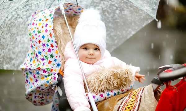 Πώς ντύνουμε κατάλληλα το μωρό τον χειμώνα; (vid)