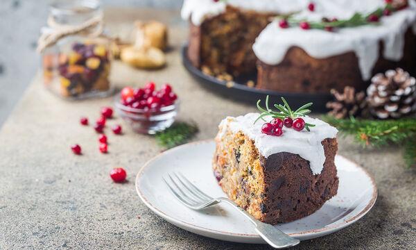 Χριστουγεννιάτικο κέικ με αποξηραμένα φρούτα και ξηρούς καρπούς - Δοκιμάστε το! (vid)