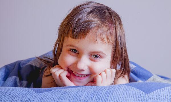 Όταν οι γονείς υποχρεώνουν τα παιδιά να κοιμηθούν ενώ δεν νυστάζουν (vid)