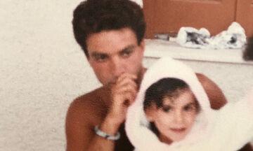 Αναγνωρίζετε το κοριτσάκι της φωτογραφίας; Είναι γνωστή παρουσιάστρια και μητέρα δύο παιδιών (pics)