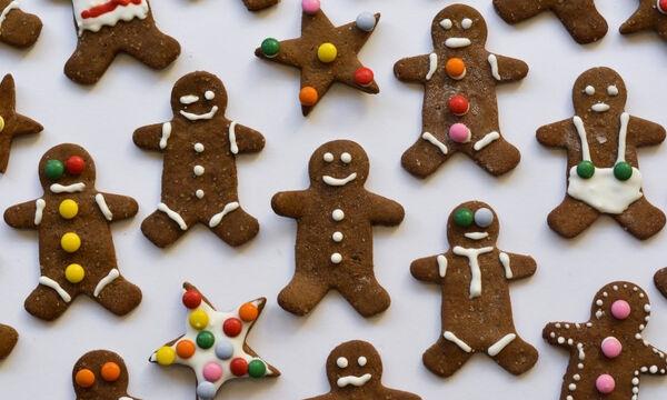 Gingerbread cookies: Κλασικά χριστουγεννιάτικα μπισκότα