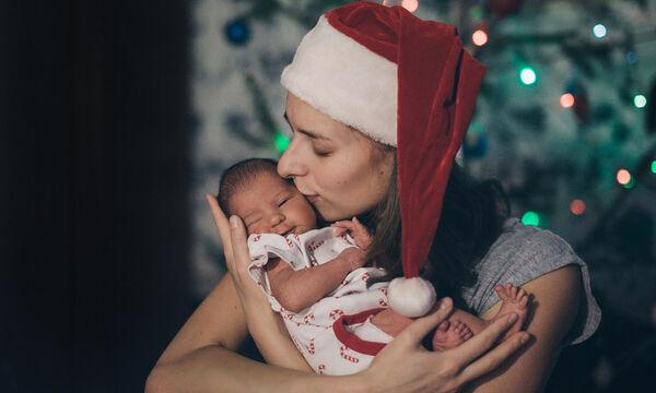 Πώς θα καταφέρετε ένα μωρό ενός μηνός να κοιμηθεί όλη νύχτα (vid)
